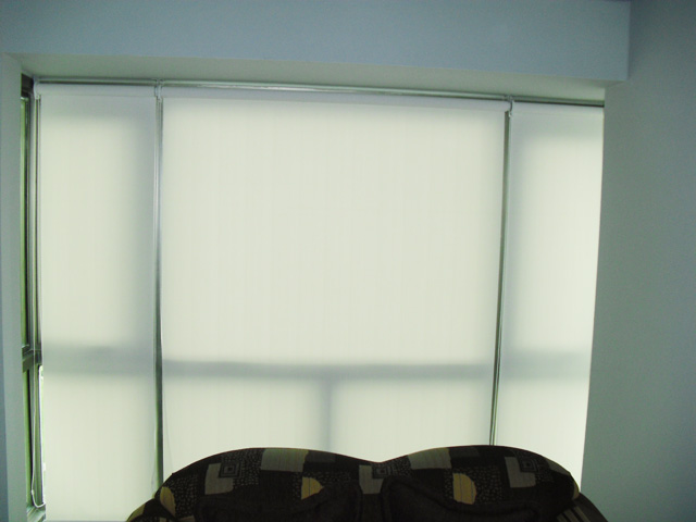 Roller Shades at Forbeswood Parklane Global City