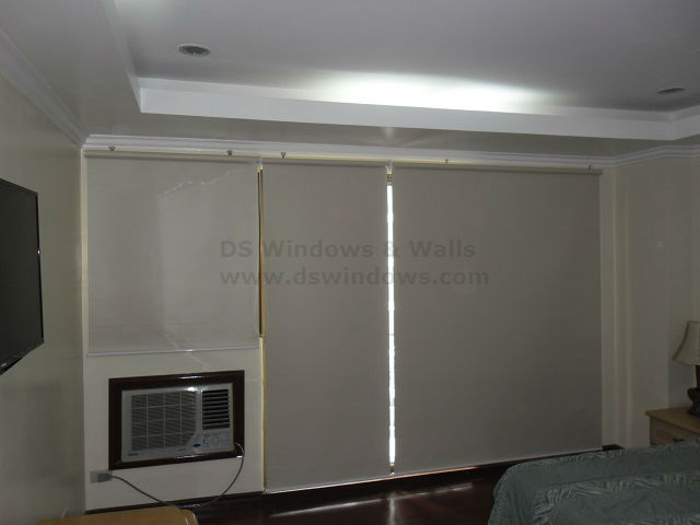 Blackout Roller Blinds for Bed Room