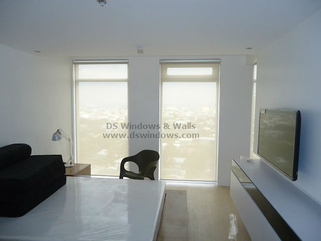 Light Filtering Roller Blinds Ideal For Your Office And