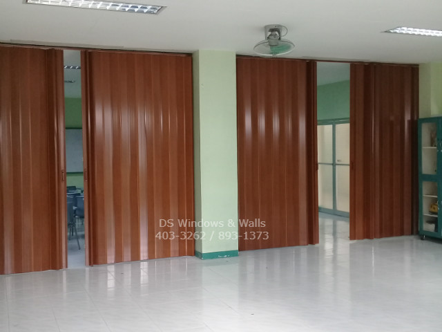 Brown divider partition for schools